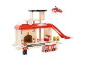 small foot 10900 Feuerwache mit Zubehör darunter EIN Feuerwehrauto Feuerwehrmann und EIN Hubschrauber ab 3 Jahren Eisenbahnzubehör Mehrfarbig